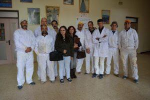 Inmigrantes participantes en un anterior curso de rehabilitación de espacios comunitarios / ISMUR