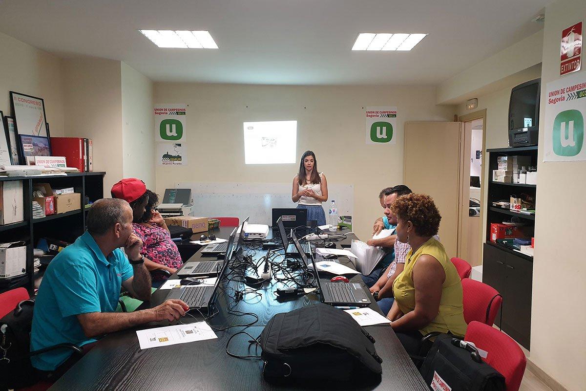 UN MEDIO RURAL PARA VIVIR Talleres de desarrollo personal - Segovia