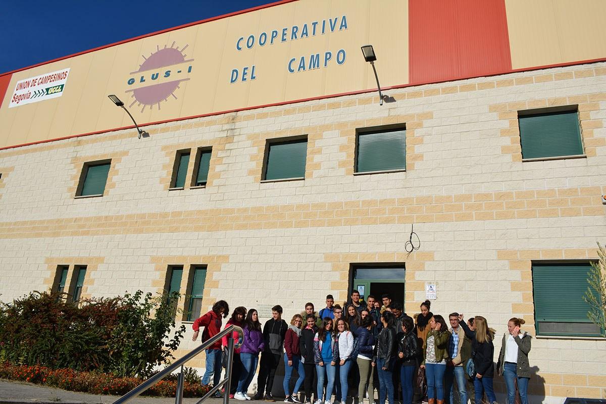 JÓVENES Jornada sobre cooperativismo - GLUS MESENOR